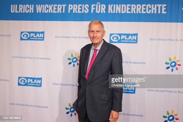 Ulrich Wickert attends the Ulrich Wickert and Peter SchollLatour award at Bar jeder Vernunft on September 27 2018 in Berlin Germany