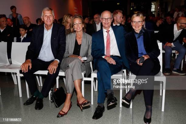 """Ulrich Wickert, Julia Jaekel, Peter Tschentscher and Eva Maria Tschentscher attend the """"Tag des Journalismus"""" with Nannen Award 2019 at Gruner + Jahr..."""
