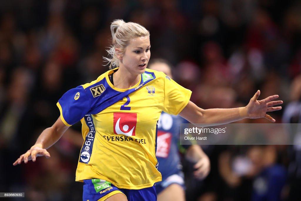 Sweden v France - 2017 IHF Women's Handball World Championship Semi Final : Photo d'actualité