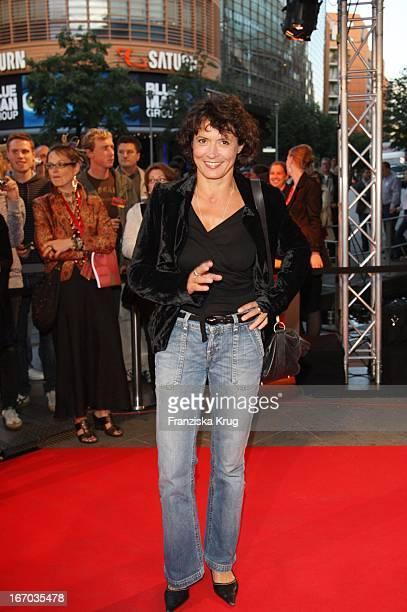 Ulrike Folkerts Bei Der Ankunft Zur Verleihung Der First Steps Awards Am 280807 In Berlin