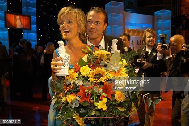 Ulrike Kriener Sebastian Koch Bayerischer Fernsehpreis 2005 Bayerische Staatskanzlei München PNr 744/2005 Preis Blauer Panther Verleihung Ehrung...