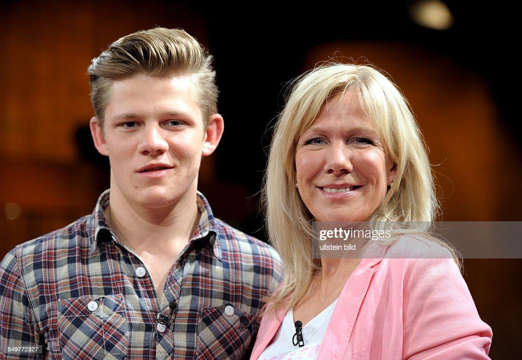 Ulrike von der GROEBEN , TV-Journalist , and her son Max ...
