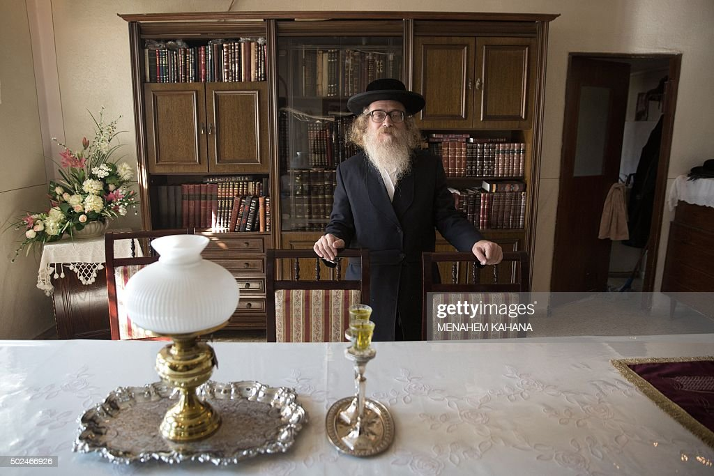 stor karta israel SMITH   Ultra Orthodox Jewish Rabbi Israel Hirsh, who belongs to  stor karta israel