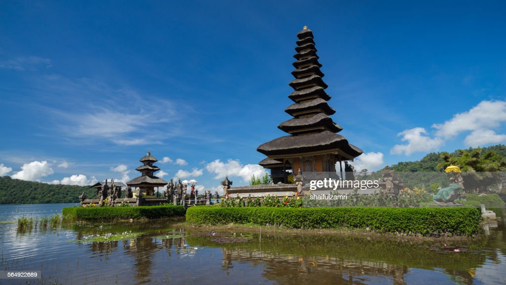 Ulun Danu Temple : Stock Photo