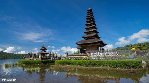ulun danu temple - shaifulzamri stock pictures, royalty-free photos & images