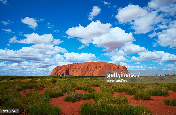 uluru scenic australian northern territory - uluru stock pictures, royalty-free photos & images