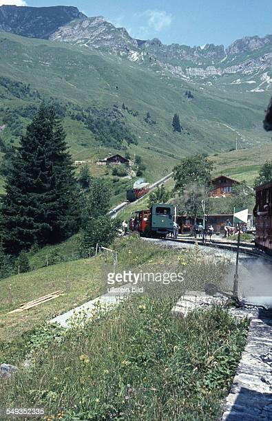 CH um 1964 BrienzRothornBahn fährt von Brienz auf das Brienzer Rothorn