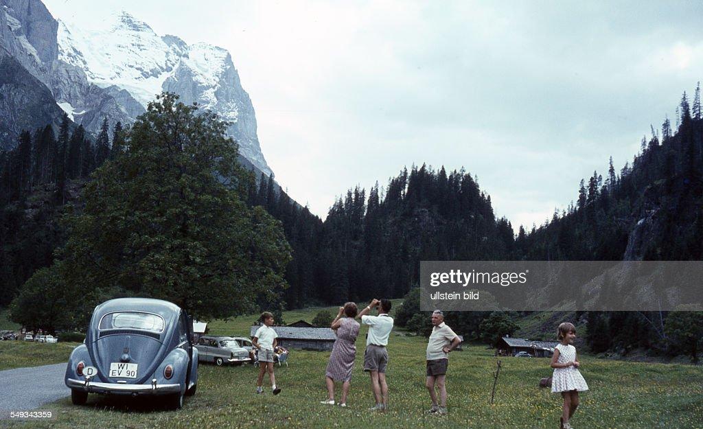 CH, um 1964,   Im Rosenlauital : Photo d'actualité