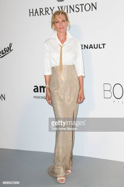 Uma Thurman arrives at the amfAR Gala Cannes 2017 at Hotel du CapEdenRoc on May 25 2017 in Cap d'Antibes France
