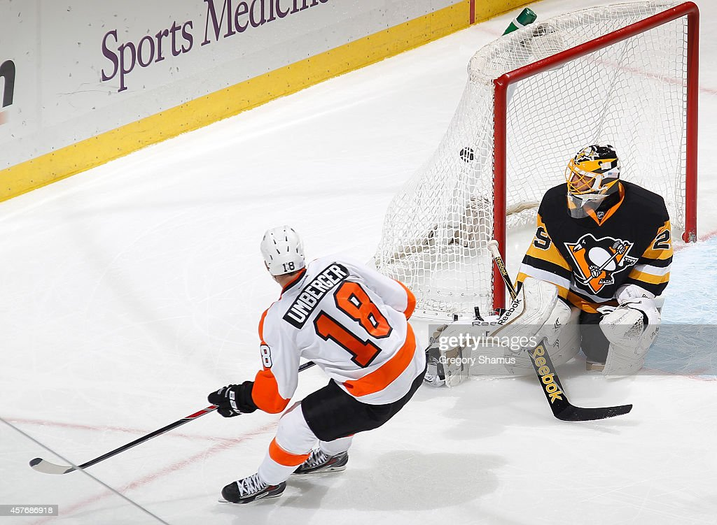 R.J. Umberger #18 of the Philadelphia Flyers scores past Marc-Andre Fleury #29 of the Pittsburgh Penguins during the third period at Consol Energy Center on October 22, 2014 in Pittsburgh, Pennsylvania. Philadelphia won the game 5-3.
