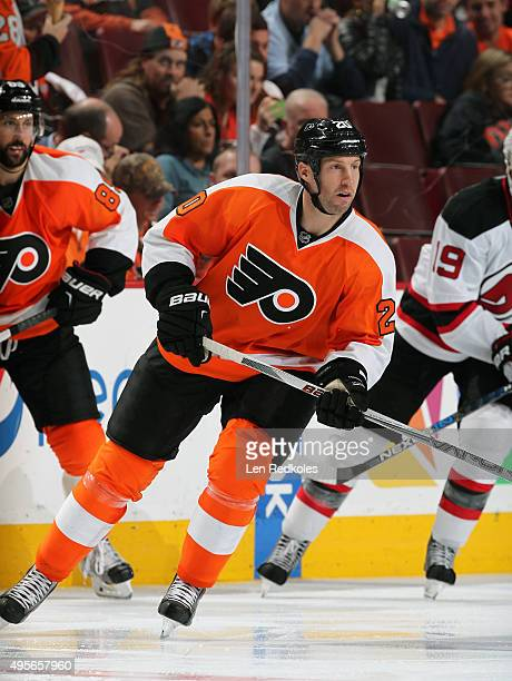 J Umberger of the Philadelphia Flyers skates against the New Jersey Devils on October 29 2015 at the Wells Fargo Center in Philadelphia Pennsylvania