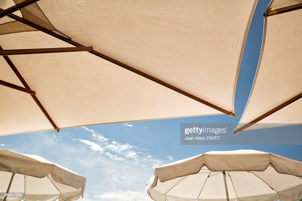 Umbrella and blue sky : Stock-Foto