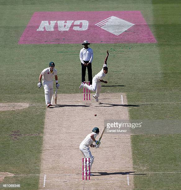 Umesh Yadav of India bowls to Steven Smith of Australia during day one of the Fourth Test match between Australia and India at Sydney Cricket Ground...