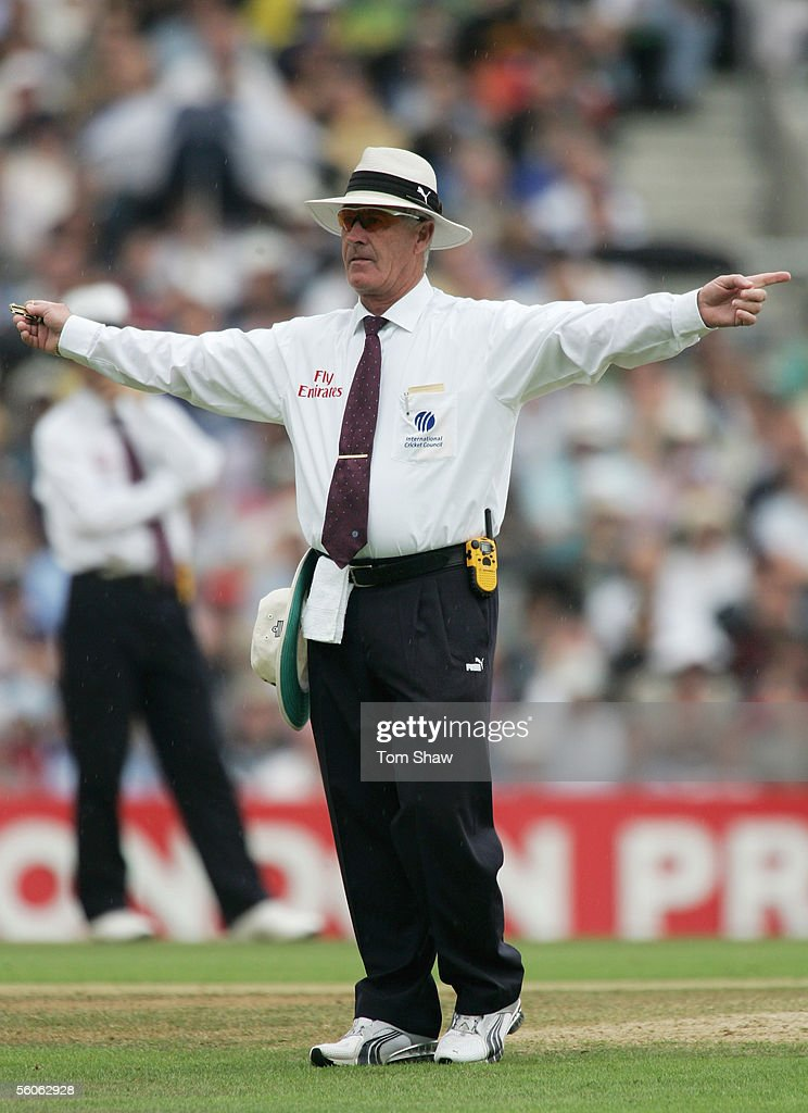 Umpire Rudi Koertzen signals a wide ball during day three of the Fifth npower Ashes Test match between England and Australia at the Brit Oval on September 10, 2005 in London, England.