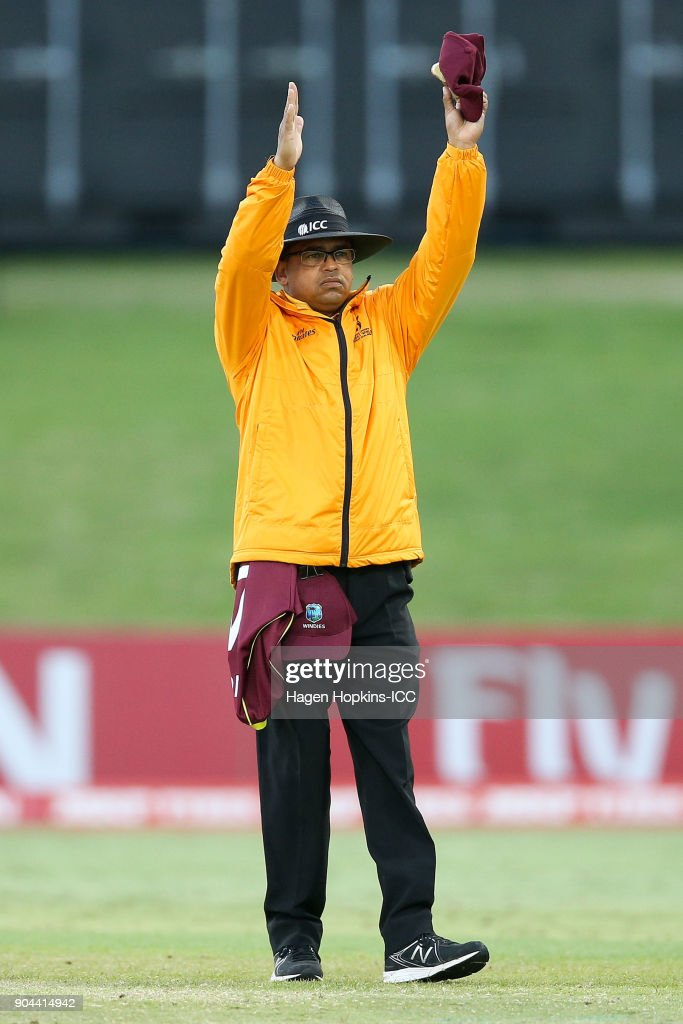 Umpire Shaun George makes a call during the ICC U19 Cricket World Cup match between New Zealand and the West Indies at Bay Oval on January 13, 2018 in Tauranga, New Zealand.