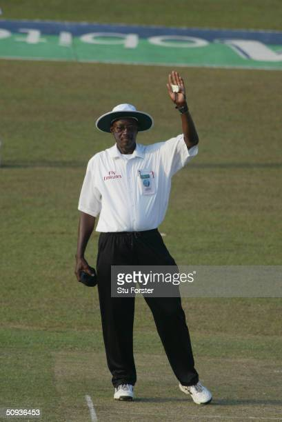 Umpire Steve Bucknor signals byes during the first day of the third test between Sri Lanka and England at The Sinhalese Sports Club on December 18...