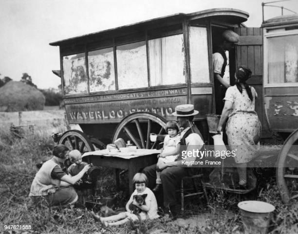 Un ancien autobus londonien transformé en habitation au RoyaumeUni