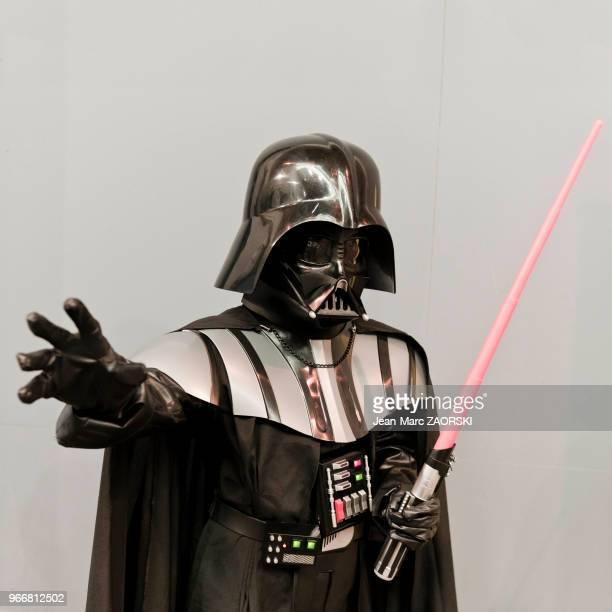Un cosplayer déguisé en Dark Vador lors de la Japan Expo Sud 7ème vague au Parc Chanot à Marseille le 21 février 2016