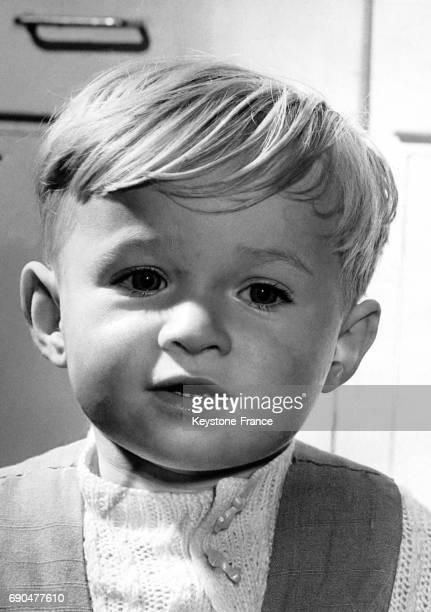 Un petit Anglais de 20 mois Martin Harris a subi deux arrêts respiratoires après être tombé dans la mare du jardin et se porte parfaitement bien le 3...