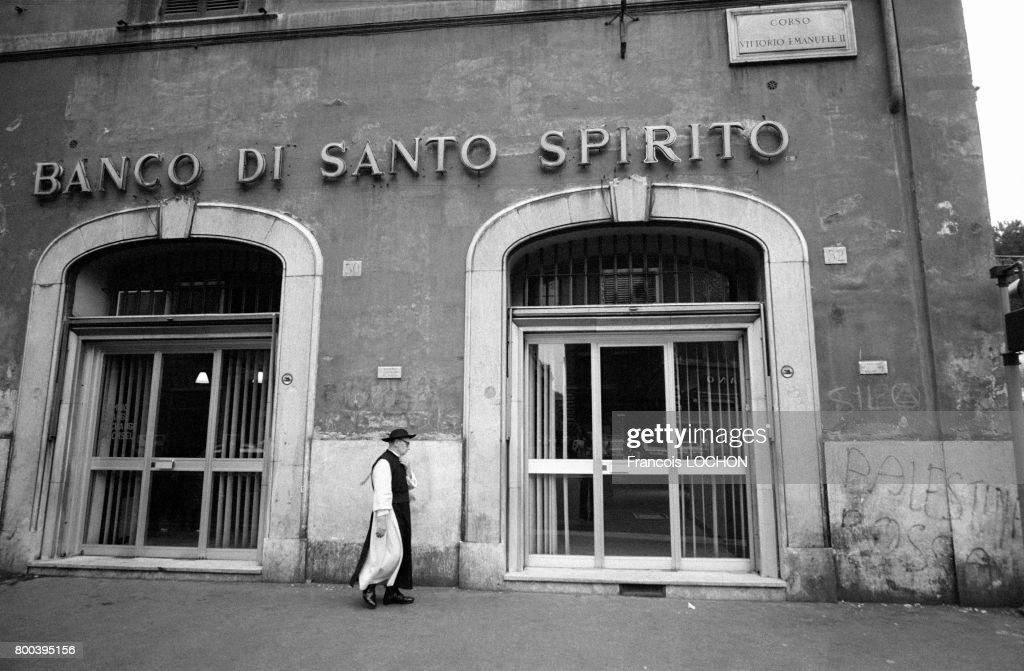 Agence de la Banco di Santo Spirito à Rome : News Photo
