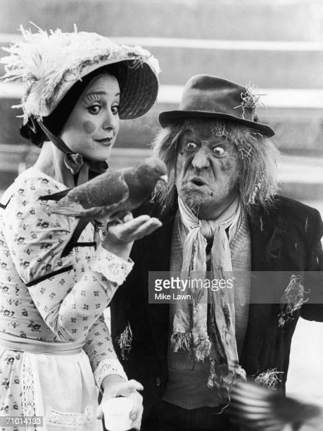 Una Stubbs as Aunt Sally and Jon Pertwee as fictional scarecrow Worzel Gummidge characters in popular children's TV show 'Worzel Gummidge' 2nd...