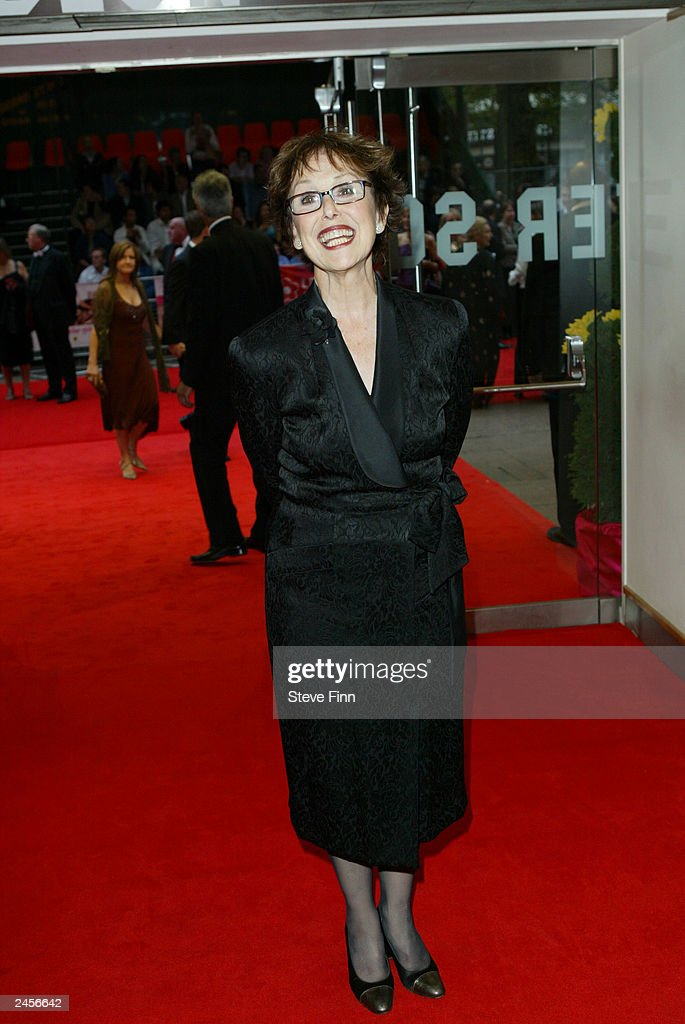 Una Stubbs attends the gala premiere of