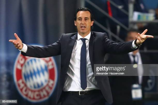 Unai Emery head coach of Paris reacts during the UEFA Champions League group B match between Paris SaintGermain and Bayern Muenchen at Parc des...