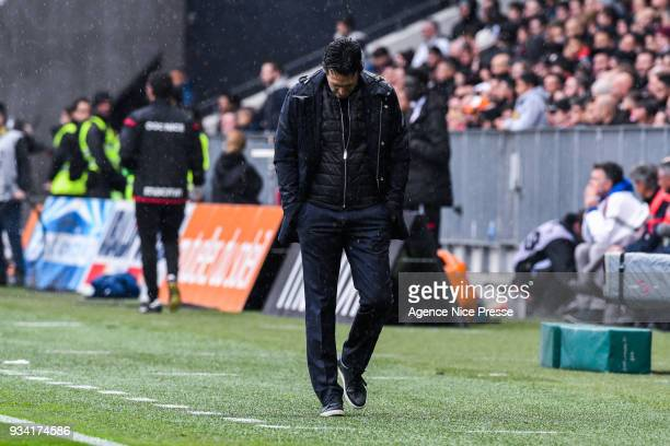 Unai Emery head coach of PSG during the Ligue 1 match between OGC Nice and Paris Saint Germain at Allianz Riviera on March 18 2018 in Nice