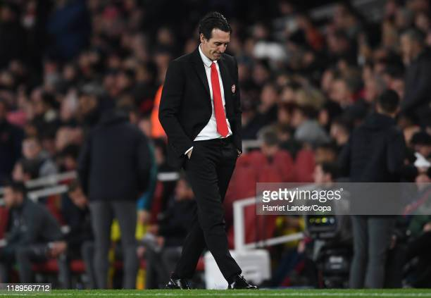 Unai Emery, Manager of Arsenal looks dejected after his team concede during the Premier League match between Arsenal FC and Southampton FC at...