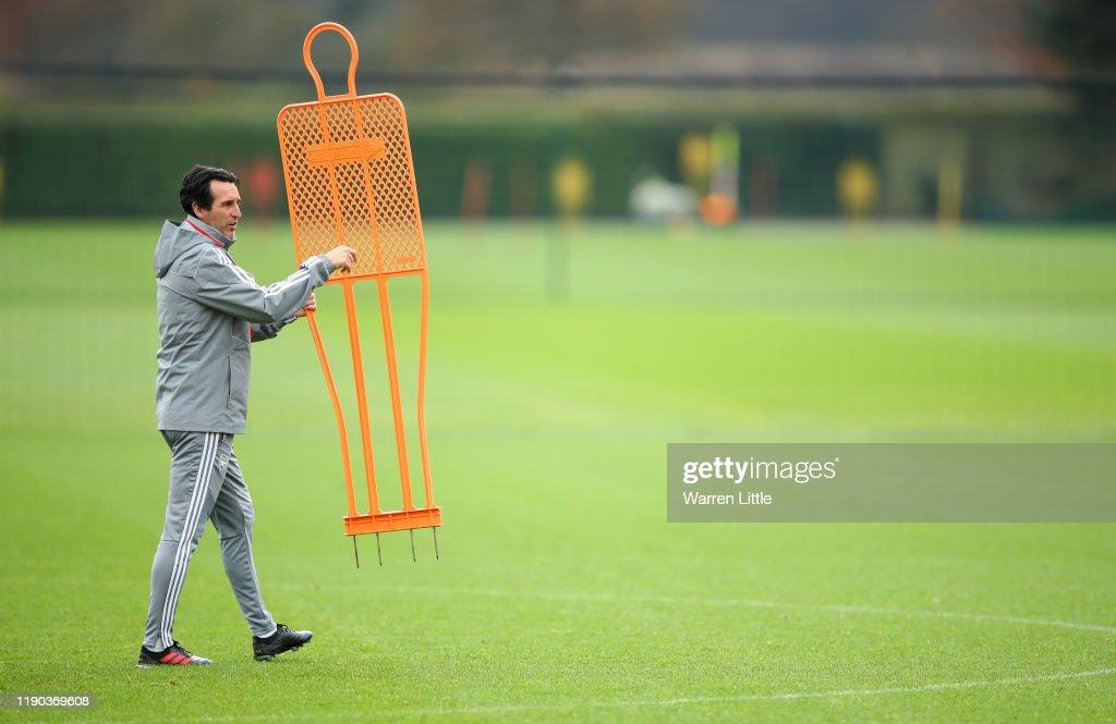 Arsenal Training & Press Conference : News Photo