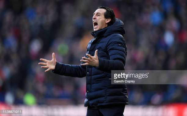 Unai Emery, Manager of Arsenal reacts during the Premier League match between Huddersfield Town and Arsenal FC at John Smith's Stadium on February...