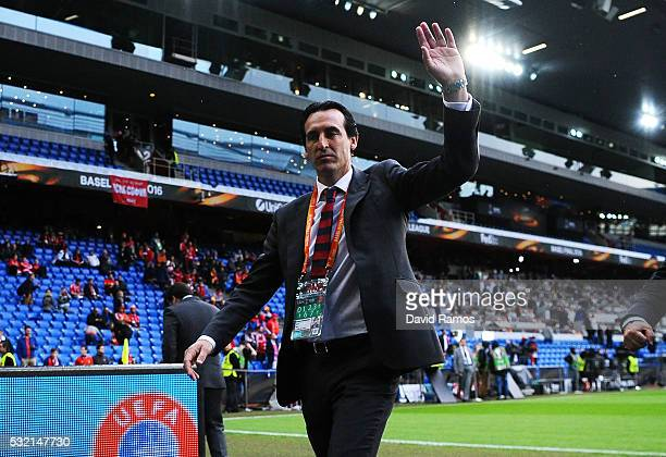 Unai Emery manager of Sevilla waves to the fans prior to the UEFA Europa League Final match between Liverpool and Sevilla at St JakobPark on May 18...
