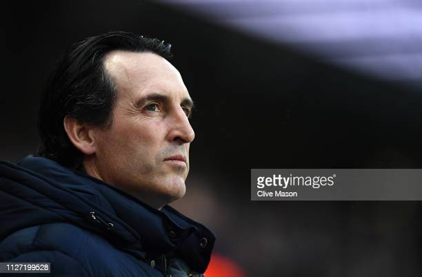 Unai Emery of Arsenal looks on before the Premier League match between Manchester City and Arsenal FC at Etihad Stadium on February 03 2019 in...