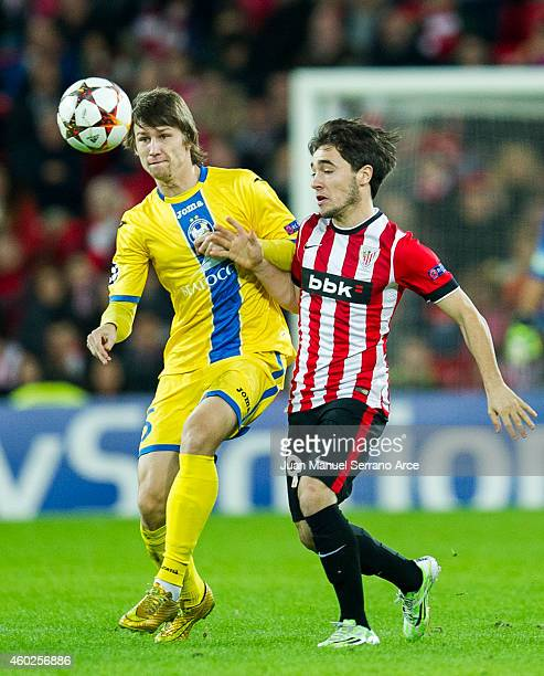 Unai Lopez of Athletic Club duels for the ball with Dmitri Baga of FC BATE Borisov during the UEFA Champions League Group H match between Athletic...