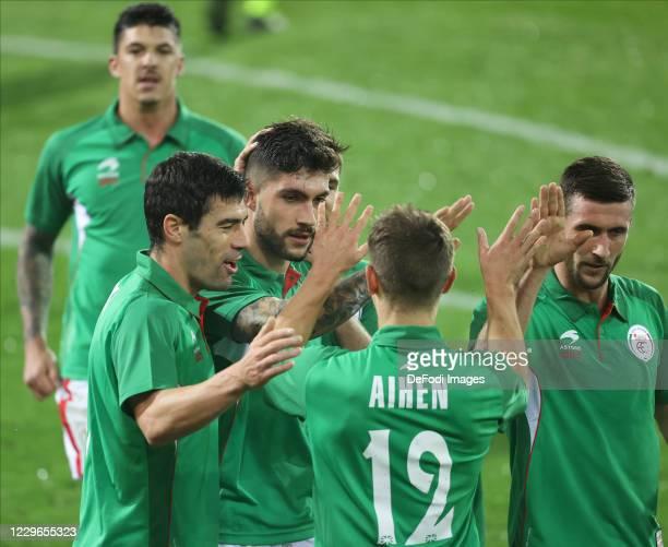 Unai Nunez of Euskal Selekzioa celebrates after scoring his team's second goal with team mates during the international friendly match between...