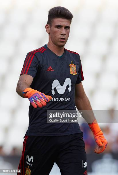 Unai Simon of Spain looks on prior to the 2019 UEFA Under 21 qualifier match between Spain U21 and Albania U21 at Nuevo Arcangel Stadium on September...