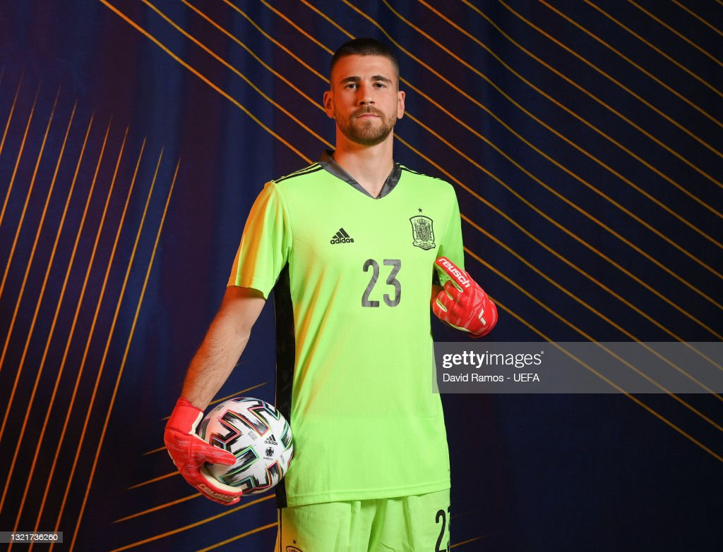 Unai Simon of Spain poses during the official UEFA Euro 2020 media... News  Photo - Getty Images
