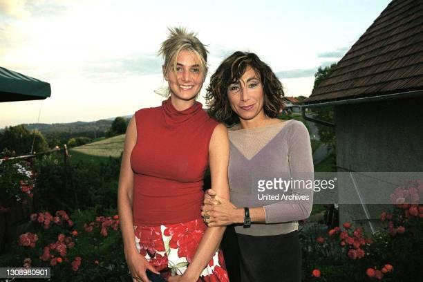 """Und ANDREA ECKERT standen für den ORF TV-Film: """"Ein Hund kam in die Küche"""" gemeinsam vor der Kamera. Regisseur Xaver Schwarzenberger und Autor..."""
