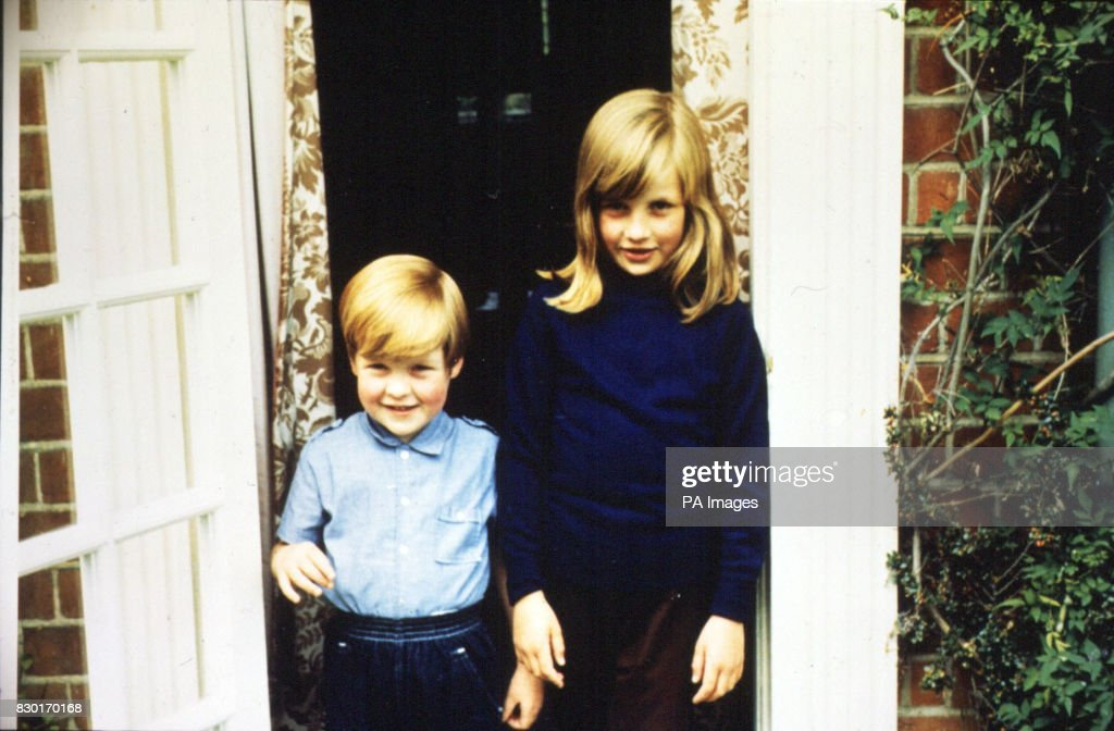 Lady Diana & Charles Spencer : News Photo