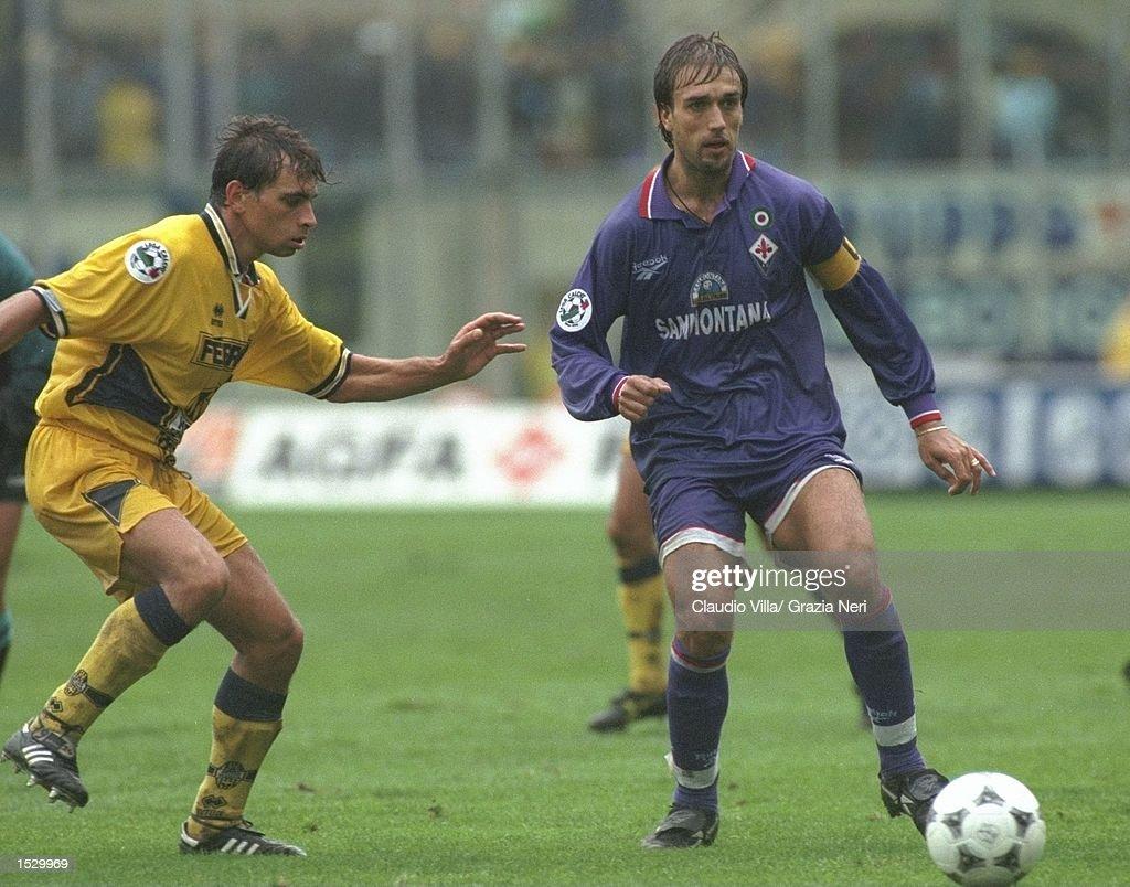 Gabriela Batistuta of Fiorentina in action : News Photo
