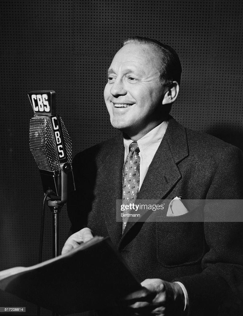 Jack Benny at Microphone : News Photo