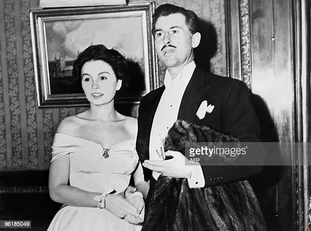 A undated picture released in the 1950s shows British actress Jean Simmons with her husband Stewart Granger Simmons an Emmy Award winner whose career...