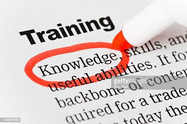 """Unter der Überschrift """"Training"""", """"wissen'ist in Rot."""