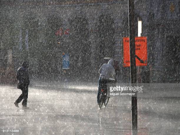 under the rain - depresion stock pictures, royalty-free photos & images
