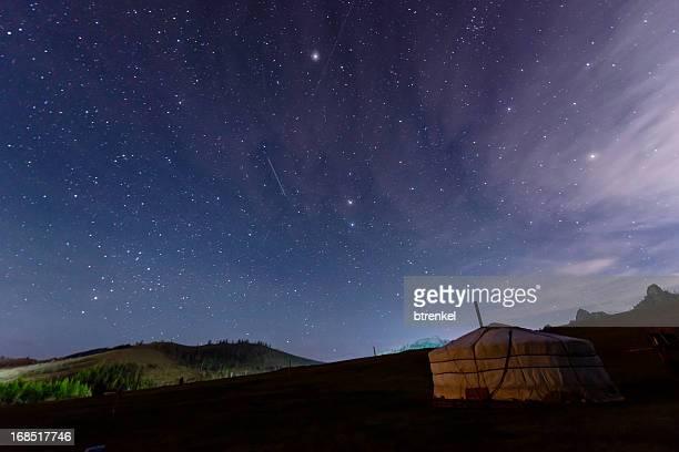 星空の下でのモンゴル - 内モンゴル自治区 ストックフォトと画像