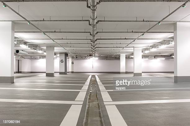 underground parking - parking garage stock pictures, royalty-free photos & images