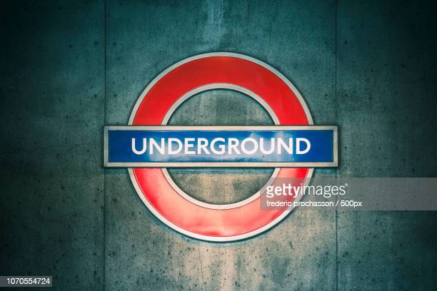 underground sign - underground sign stock pictures, royalty-free photos & images