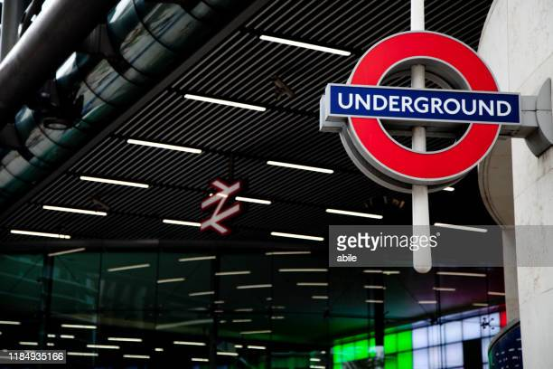 underground sign - símbolo stock photos and pictures