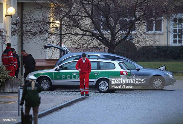 Undertaker carry a casket into the morgue of the center of psychiatry on March 12 2009 in Winnenden Germany 17 year old Tim Kretschmer opened fire...