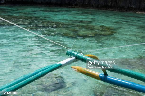 underwater coral, crystal clear water, palawan, philippines - argenberg fotografías e imágenes de stock